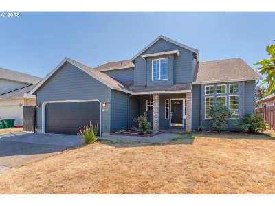 Troutdale Single Family Home For Sale: 612 SW 25th Cir