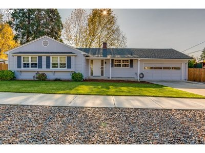 Newberg Single Family Home For Sale: 606 Melody Ln