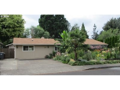 Hillsboro Single Family Home For Sale: 1017 NW 2nd Ave