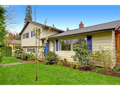 Milwaukie Single Family Home For Sale: 1980 SE Bluebird St