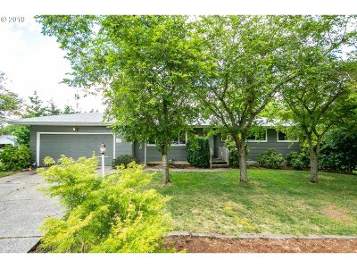 Milwaukie, Gladstone Multi Family Home For Sale: 7411 SE Monroe St