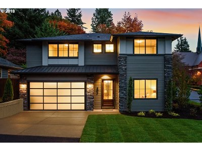 Lake Oswego Single Family Home For Sale: 805 Evergreen