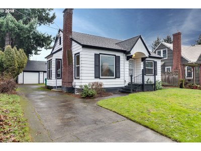 Portland Single Family Home For Sale: 2338 SE 38th Ave