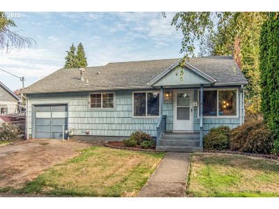 Milwaukie, Clackamas, Happy Valley Single Family Home For Sale: 3435 SE Harrison St