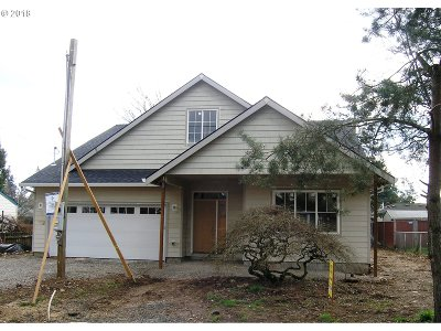 Single Family Home Pending: 7028 SE Crystal Springs Blvd