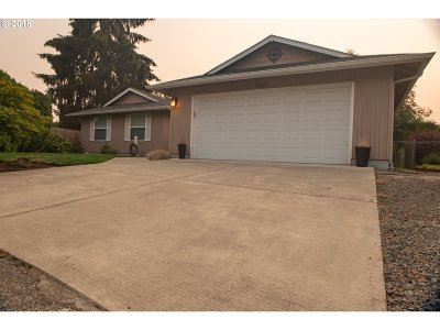 Keizer Single Family Home Sold: 5421 Dee Ct N
