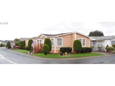 Cowlitz County Single Family Home For Sale: 369 Gun Club Rd #82