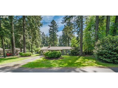 Lake Oswego Single Family Home For Sale: 16624 SW Roosevelt Ave