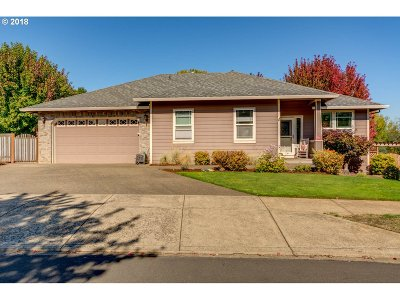 McMinnville Single Family Home For Sale: 2537 NW Hillcrest Loop