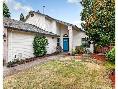 Tigard Single Family Home For Sale: 8110 SW Ashford St
