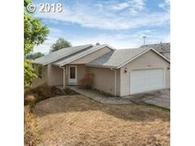Troutdale Single Family Home For Sale: 3218 SW Corbeth Ln