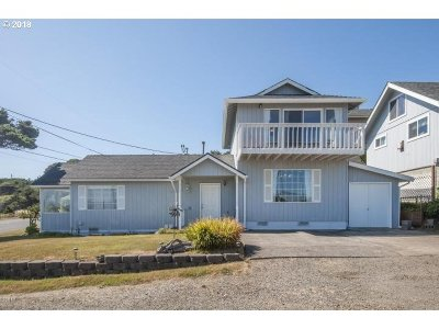 Lincoln City Single Family Home For Sale: 503 SW Ebb Ave
