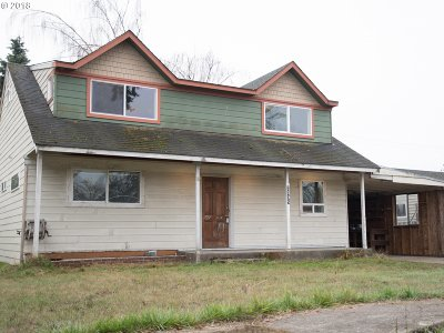 Springfield Single Family Home For Sale: 2595 F St