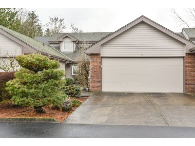 Camas Condo/Townhouse For Sale: 2445 NW Logan St #D2
