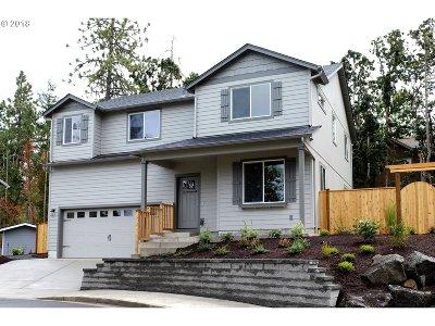 Eugene Single Family Home For Sale: 675 Fox Pine Ln