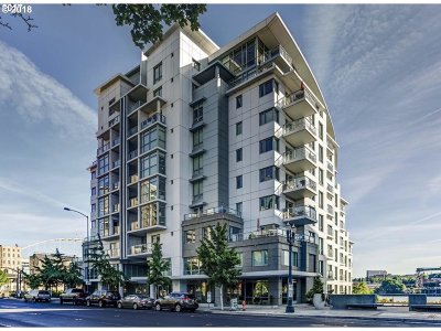 Condo/Townhouse For Sale: 1310 NW Naito Pkwy #704A