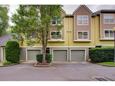 Vancouver Condo/Townhouse For Sale: 777 SE Fairwinds Loop
