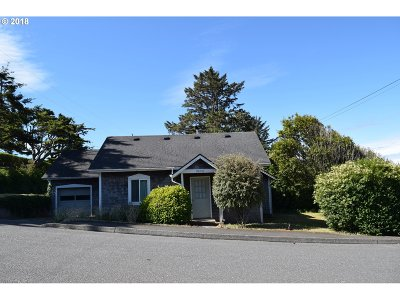 Gold Beach OR Single Family Home For Sale: $189,000