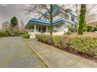 Happy Valley, Clackamas Condo/Townhouse For Sale: 8717 SE Monterey Ave #207