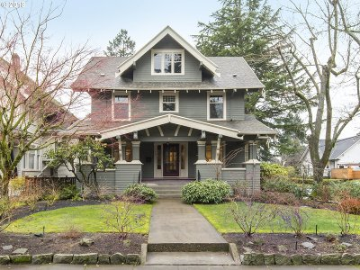 Portland Single Family Home For Sale: 3933 NE 32nd Pl