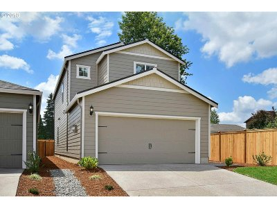 Molalla Single Family Home For Sale: 878 S View Dr