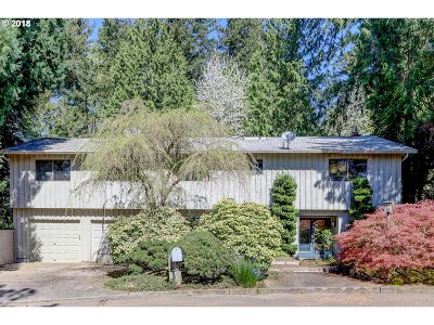 Portland Single Family Home For Sale: 4433 SW Tunnelwood St