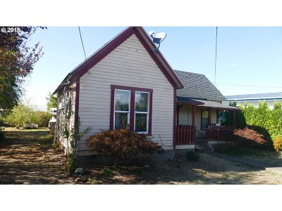 Molalla Single Family Home For Sale: 204 S Molalla Ave