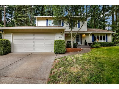 Lake Oswego Single Family Home For Sale: 18761 Indian Creek Way