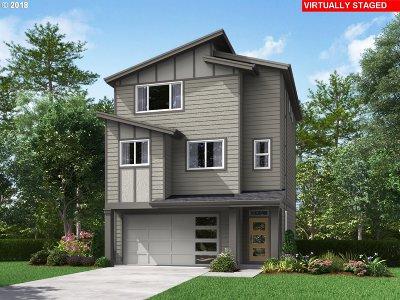 Single Family Home For Sale: 16784 SE Fox Glen Ct