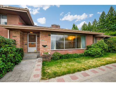Multnomah County, Washington County, Clackamas County Single Family Home For Sale: 2540 NE 205th Ave