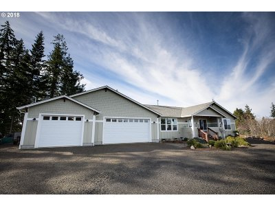 Coquille OR Single Family Home For Sale: $420,000