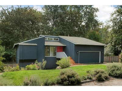 Portland Single Family Home For Sale: 2818 SW Ridge Dr