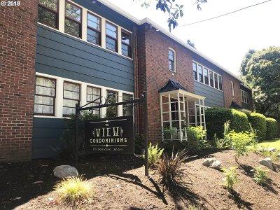 Condo/Townhouse For Sale: 230 NE 60th Ave #27