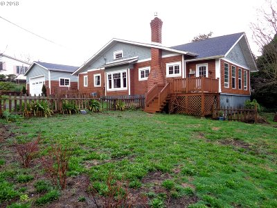 Coos Bay Single Family Home For Sale: 1084 Southwest Bv