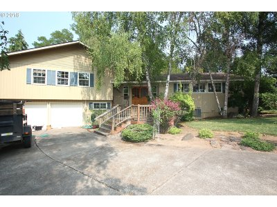 Forest Grove Single Family Home For Sale: 3345 Lavina Dr