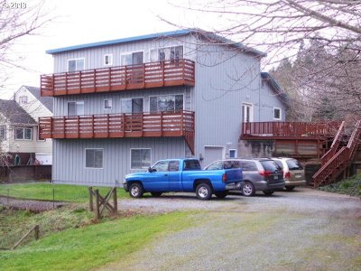 Coos Bay Single Family Home For Sale: 580 N 3rd