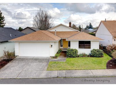 Portland Single Family Home For Sale: 2240 NE 154th Ave