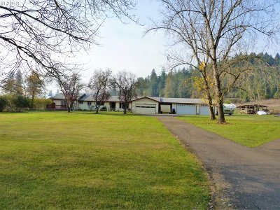 Roseburg Single Family Home For Sale: 340 Valley Rd