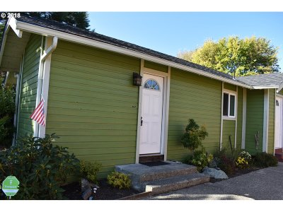 Coos Bay Single Family Home For Sale: 1180 Montana