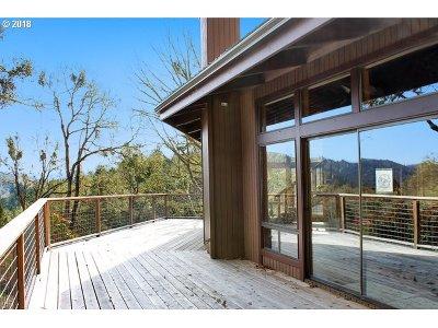 Roseburg OR Single Family Home For Sale: $429,900