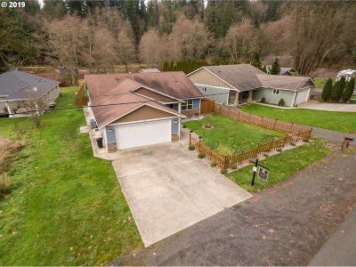 Cowlitz County Single Family Home For Sale: 113 Clark Creek Rd