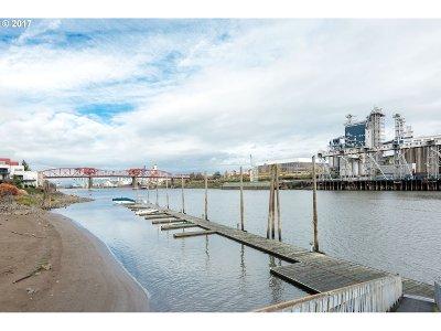 Portland Condo/Townhouse For Sale: 710 NE Naito Pkwy #BS13