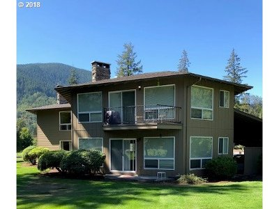 Welches Condo/Townhouse For Sale: 68574 E Fairway Estates Rd