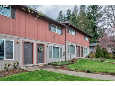 Tigard Condo/Townhouse For Sale: 14655 SW 76th Ave #19