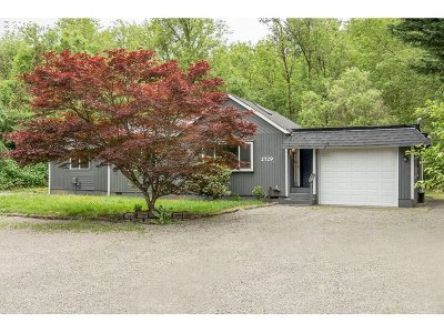 West Linn Single Family Home For Sale: 2729 SW Mossy Brae Rd