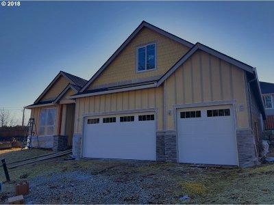 La Center Single Family Home For Sale: 114 W 16th St