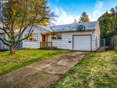 Milwaukie Single Family Home For Sale: 11656 SE 34th Ave