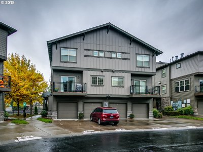 Hillsboro, Cornelius, Forest Grove Condo/Townhouse For Sale: 611 NE Garswood Ln