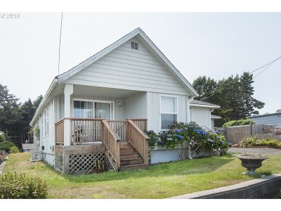 Lincoln City Single Family Home For Sale: 1152 SW 16th St