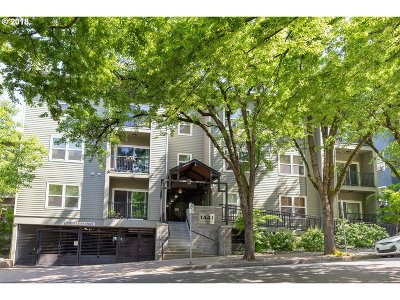 Condo/Townhouse For Sale: 1441 SW Clay St
